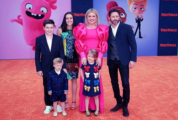 Kelly Clarkson wife kids